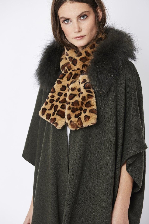247a9f1e483 Leopard Print Faux Fur Scarf